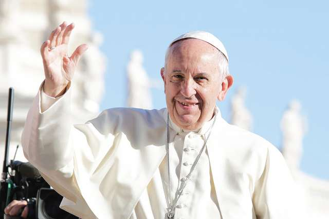 Pope_Francis_at_the_general_audience_in_St_Peters_Square_Oct_5_2016_Credit_Daniel_Ibanez_CNA