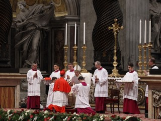 20161120T1559-1172-CNS-POPE-CONSISTORY-CARDINALS