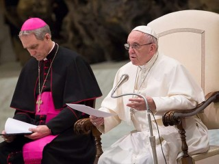 Pope_Francis_at_the_general_audience_in_the_Vaticans_Paul_VI_Hall_on_January_10_2018_Credit_Daniel_Ibanez_CNA
