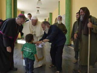 20180916 The pope lunches with the poor at the Hope and Charity Center 8