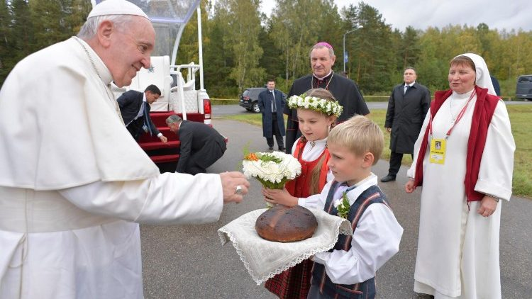 20180924 Pope Francis celebrating Mass in Aglona, Latvia 0a