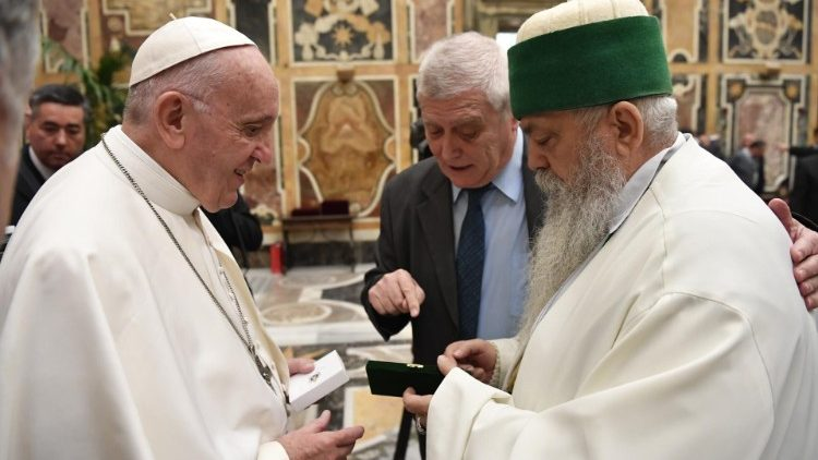 20181120 The Pope welcomed 200 delegates from all Albanians 2