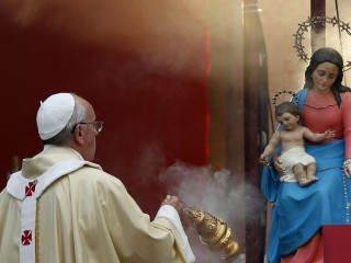 Pope Francis with Mary