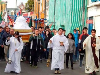 Procession_to_commemorate_the_first_Mass_in_Chile_Credit_Diocese_of_Punta_Arenas_