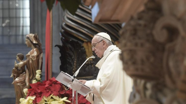 2019-01-06 Pope Francis at Mass on the Solemnity of the Epiphany (3)