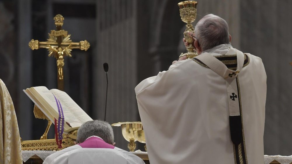 2019-01-06 Pope Francis at Mass on the Solemnity of the Epiphany (8)