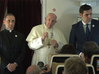 20190206 The Pope holds a press conference on the plane from Abu Dhabi to Rome