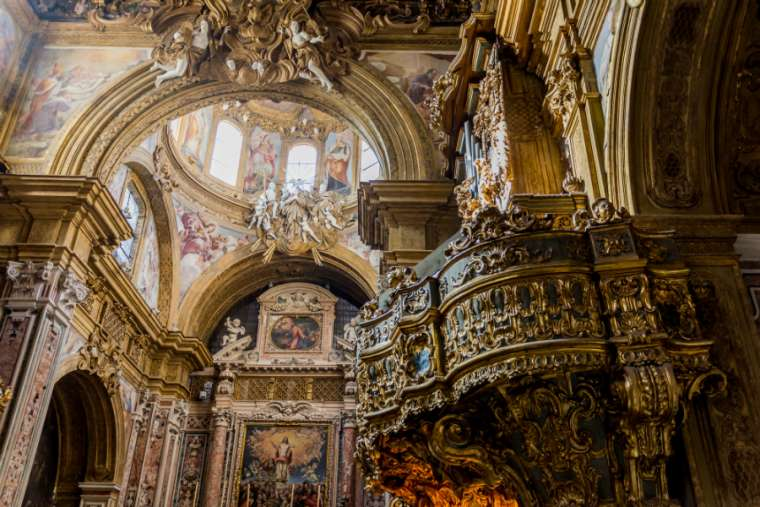 San_Gregorio_Armeno_church_in_Naples_Italy_CreditDinoPhShutterstock