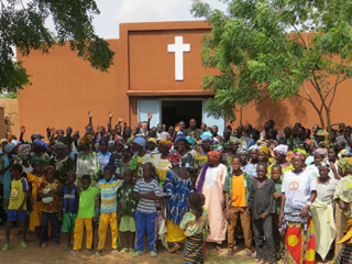 Burkina-Faso-Church-696x406