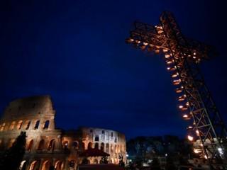 Một buổi suy niệm Chặng đàng Thánh Giá tại Colosseum  (AFP or licensors)