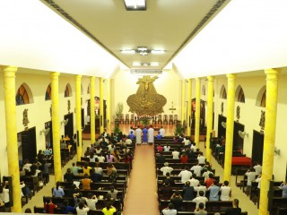 Một giờ Ngắm sự Thương Khó của anh chị em di dân tại Thái Hà
