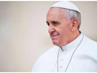 Đức Thánh Cha Phanxicô , hình ngày 17 tháng 4 năm 2013. Nguồn: Mazur / catholicnews.org.uk.